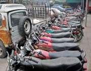 راولپنڈی: محکمہ ایکسائز و ٹیکسیشن کی نا اہلی، بند گاڑیاں و موٹر سائیکل ..