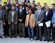 راولپنڈی: سی ای او آلائیڈ ہسپتال ڈاکٹر عمر کا سوائن فلو کی بریفنگکے ..