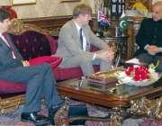 لاہور: وزیر اعلیٰ پنجاب محمد شہباز شریف سے برطانیہ کے قومی سلامتی ، ..