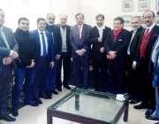 لاہور: پیاف کے ای سی ممبران خالد محمود کی جانب سے استقبالیہ کے موقع ..