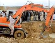 کوئٹہ: ڈپٹی میئر محمد یونس ایئرپورٹ روڈ پر پانی جمع ہونے کے باعث ایکسو ..