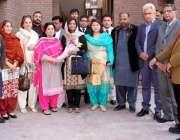لاہور: پاکستان پیپلز پارٹی انسانی حقوق کے اجلاس کے بعد چیئرمین نفیسہ ..