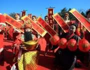 چائنہ: موسم بہار کی آمد کے سلسلے میں منعقدہ تقریب کے دوران خواتین پرفارمنس ..
