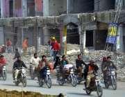 لاہور: اورنج لائن میٹرو ٹرین منصوبے کے روٹ آنیوالی چوبرجی کی مارکیٹ ..