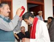 صوابی: اے این پی کے ضلعی صدور و ناظم امیر الرحمن پارٹی میں شامل ہونیوالے ..