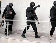 راولپنڈی: وقارالنساء کالج میں دہشتگردی کی افوا ہ کے بعد سکیورٹی اہلکار ..