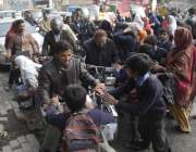 لاہور: ابوالخیر سکول گڑھی شاہو کے طلباء و طالبات نے سکول کو دوسری جگہ ..