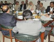 قصور: ڈی سی سلمان غنی ضلع بھر کے انجمن تاجران کے عہدیداروں سے تعارفی ..
