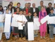 کراچی: اسکولوں کے بچوں کے درمیان دسویں ڈریم کار مقابلے میں پوزیشن حاصل ..