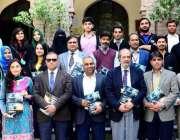 """لاہور: """"دی سائنٹیفک راوی"""" کے نئے ایڈیشن کی تقریب رو نمائی کے موقع پر .."""