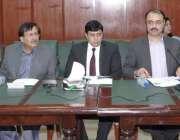 لاہور: ڈائریکٹر جنرل پی ڈی ایم اے جواد اکرم فلڈ کیبنٹ کمیٹی کو فلڈ پلان ..