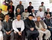 پشاور: فرنٹیر پرنٹنگ اینڈ پبلشرز کے زیر اہتمام لگائے گئے احتجاجی کیمپ ..