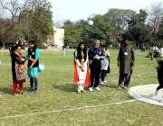 لاہور: طالبات 129ویں سالانہ ایتھلیٹکس چمپئن شپ کے دوران مختلف گیموں ..