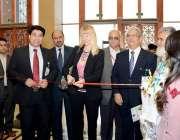 اسلام آباد: جرمن سفیر اینا لیپیل پانچیوں بین الاقوامی نمائش اور قابل ..