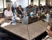 لاہور: پاکستان کرکٹ بورڈ کے چیئرمین شہر یار خان پی سی بی ہیڈ کوارٹر ..