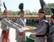 مردان: ڈی جی رینجرز پنجاب میجر جنرل عمر فاروق برکی پنجاب رجمنٹ سنٹر ..