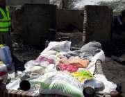 تھر پارکر میں میں فلاح انسانیت فاؤنڈیشن کی جانب سے آگ سے متاثرہ گھروں ..