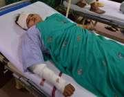لاہور: گنگا رام ہسپتال میں سانحہ گلشن اقبال پارک کی زخمی خاتون طبی امداد ..