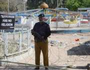 لاہور: سانحہ گلشن اقبال پارک کے بعد سکیورٹی اہلکار کرائم سین پر الرٹ ..