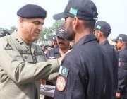 لاہور: ڈائریکٹر جنرل پاکستان رینجرز پنجاب میجر جنرل عمر فاروق برقی ..