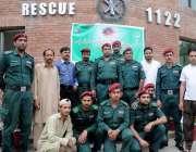 راولپنڈی: ریسکیو 1122کے سٹیشن انچارج رانا احمد سرور ، ریسکیو اہلکار اور ..