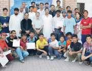 پشاور: ڈی جی امان اللہ ٹینس چمپئن شپ کی فاتح کھلاڑیوں کا مہمان خصوصی ..