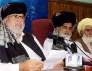 پشاور: قبائلی رہنماء حاجی مرجان پریس کانفرنس سے خطاب کر رہے ہیں۔