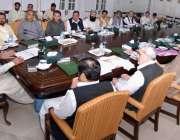 پشاور: وزیر اعلیٰ خیبر پختونخوا پرویز خٹک صوبے میں غیر اعلانیہ لوڈ ..