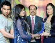 اسلام آباد: معروف سنگر حمیرا ارشد پرسٹن یونیورسٹی میں منعقدہ موسیقی ..