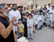 لاہور:ایم پی اے وحید گل PP145قلندر پورہ میں ترقیاتی کاموں کے سلسلے میں ..