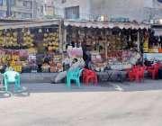 راولپنڈی: انتظامیہ کی نا اہلی فیض آباد دوکانداروں نے فٹ پاتھ کے آگے ..