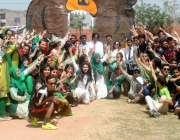 راولپنڈی: راولپنڈی میڈیکل کالج میں جاری سپورٹس ویک کے موقع پر طلباء ..