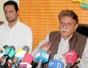 مظفر آباد: پاکستان سلم لیگ (ن) آزاد کشمیر کے صدر راجہ فاروق حیدر پریس ..
