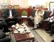اسلام آباد: وفاقی وزیر برائے منصوبہ بندی پروفیسر احسن اقبال سے چائنہ ..