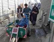 خیبر ایجنسی: پاک افغان بارڈ دورہ اوپن ہونے کے بعد لوگ طورخم کے راستے ..