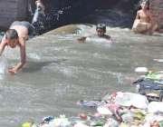 راولپنڈی: چکلالہ کنٹونمنٹ کی نا اہلی چمن زار کالونی میں نالہ کی صفائی ..