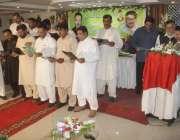لاہور: نیو آل لاہور بک بائنڈ نگ یونین کے نو منتخب عہدیداران سے رکن پنجاب ..