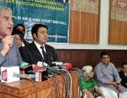 حیدر آباد: تحریک انصاف کے مرکزی رہنما ایم این اے شاہ محمود قریشی ہائیکورٹ ..