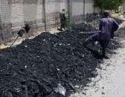 کوئٹہ: میٹرو پولیٹن کارپوریشن ڈیلی ویجز ملازمین نالیوں کی صفائی کے ..