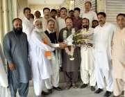 اسلام آباد: پاکستان مسلم لیگ (ن) کے رہنما انجم عقیل اور ملک شوکت ، نئے ..