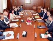 اسلام آباد: وزیر اعظم کے مشیر برائے امور خارجہ سرتاج عزیز سے افغانستان ..