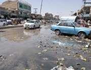 کوئٹہ: سریاب روڈ پر نالیوں کا گندا پانی سڑکو پر بہہ رہا ہے جس کے باعث ..
