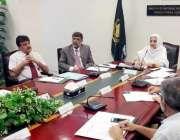 اسلام آباد: وزیر مملکت سائرہ افصل تارڑ اعلیٰ سطحی اجلاس کی صدارت کر ..