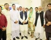 لاہور: تحریک انصاف کے رہنما چوہدری محمد سرور کا مسز مسعود بھٹی کی افطار ..