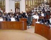 پشاور: وزیر اعلیٰ خیبر پختونخوا پرویز خٹک اسمبلی اجلاس سے خطاب کر رہے ..