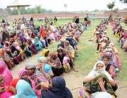 فیصل آباد: خواتین کی بڑی تعداد پاکستان مسلم لیگ (ن) کے ایم پی اے میاں ..