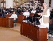پشاور: وزیر اعلیٰ خیبر پختونخوا پرویز خٹک صوبائی اسمبلی کے اجلاس سے ..
