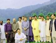 مظفر آباد: مسلم لیگ ن آزاد کشمیر کے صدر راجہ فاروق حیدر خان کے ہمراہ ..