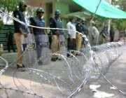 لاہور: پولیس نے متاثرین کے احتجاج کے باعث رائل پام گالف اینڈ کنٹری کلب ..