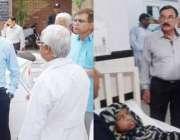 لاہور: ڈی سی او لاہور کیپٹن (ر)محمد عثمان گورنمنٹ آئی آر ہسپتال بلال ..